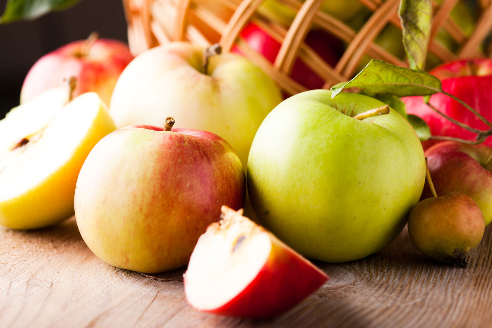 Apples | The Best Fruits and Vegetables for Juicing With 3 Ingredients