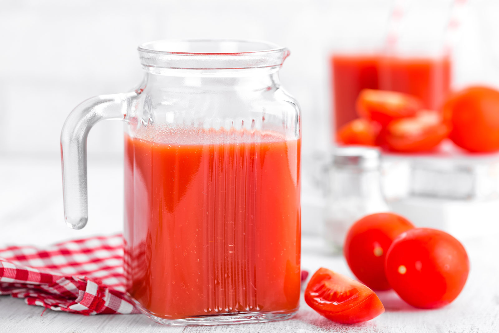 Tomato Juice | 4 Organic Juicing Recipes You Can Easily Make At Home